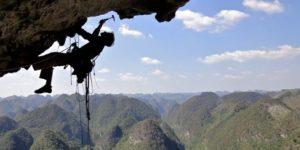 Marine Briens Ostéopathe spécialisée pour les fanas d'escalade